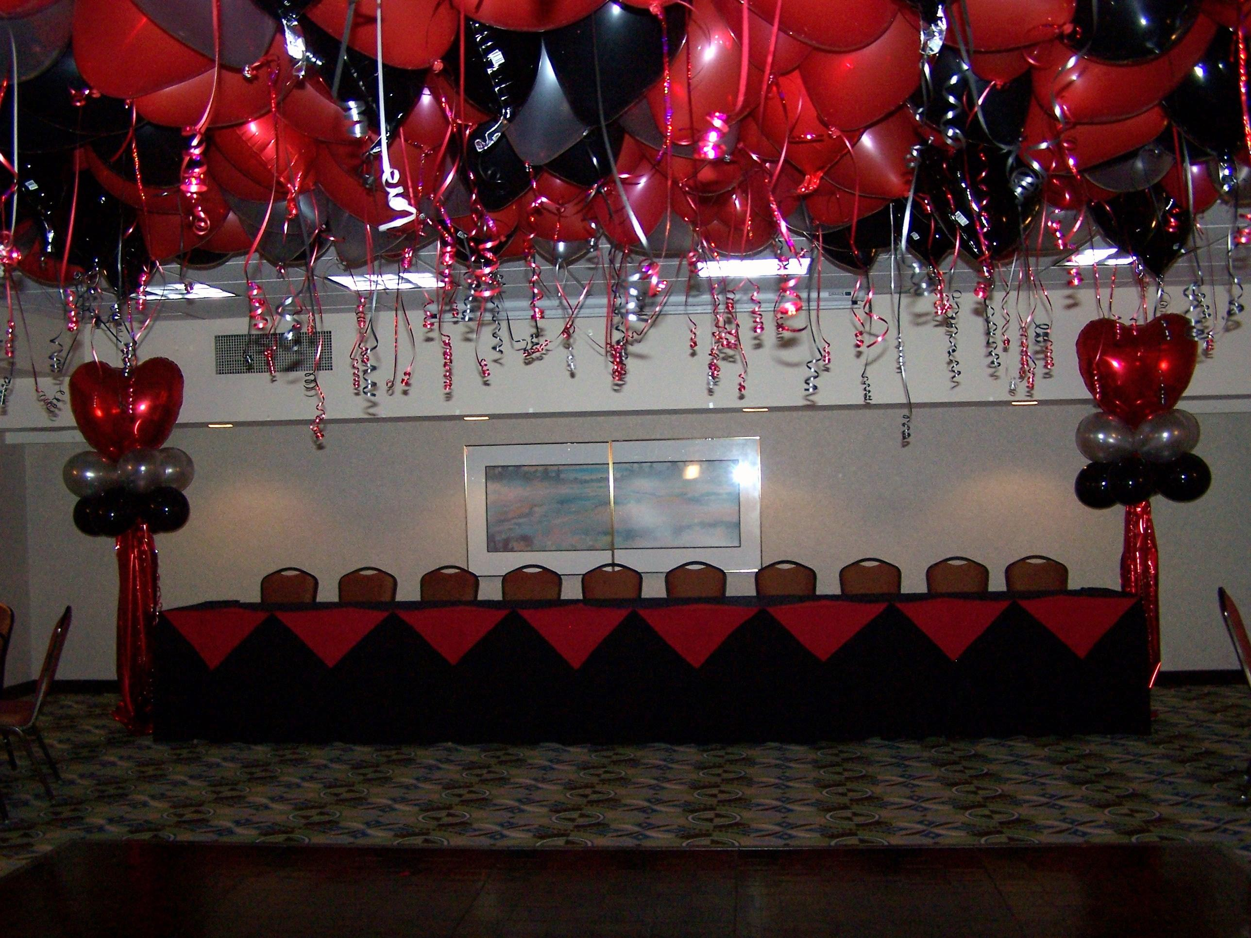 Balloon arrangements the entertainment contractor for Balloon decoration los angeles