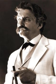Mark Twain look-alike