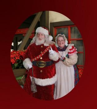 Santa Joe Leavitt & Mrs. Claus